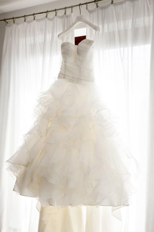 Robe de mariage blanche image libre de droits