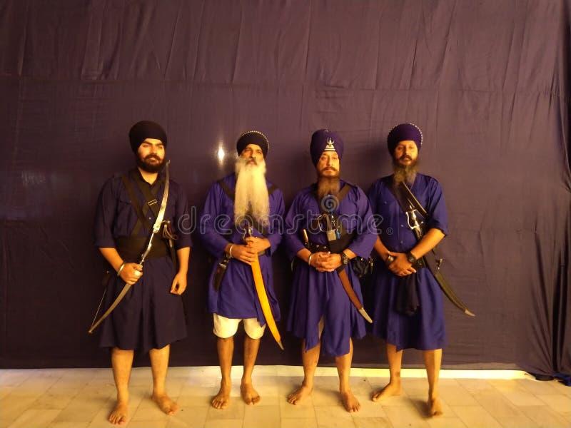 robe religieuse de sikhism en personne photo stock