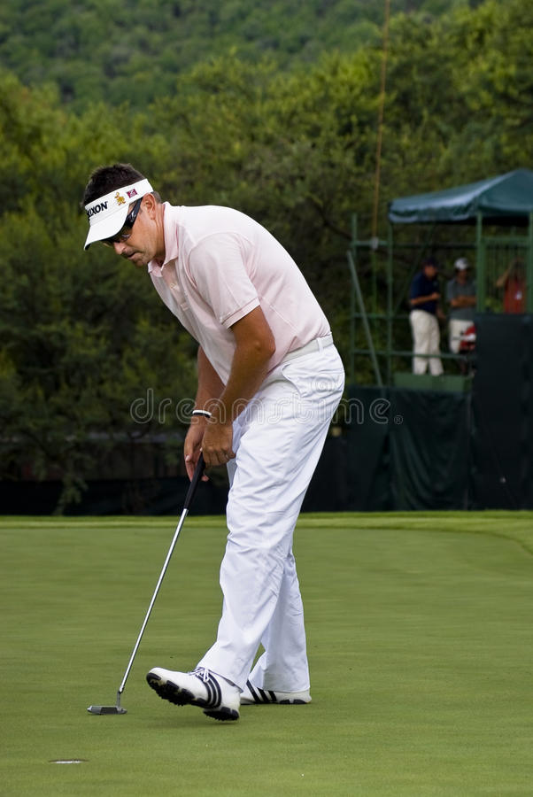 Download Robert Allenby - Putts Out On The 17th Editorial Photography - Image: 17080412