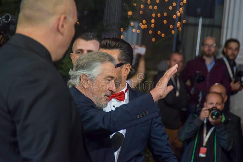 Robert De Niro, festival cinematografico di Sarajevo, tappeto rosso, circondato mediante sicurezza ed i media immagini stock libere da diritti