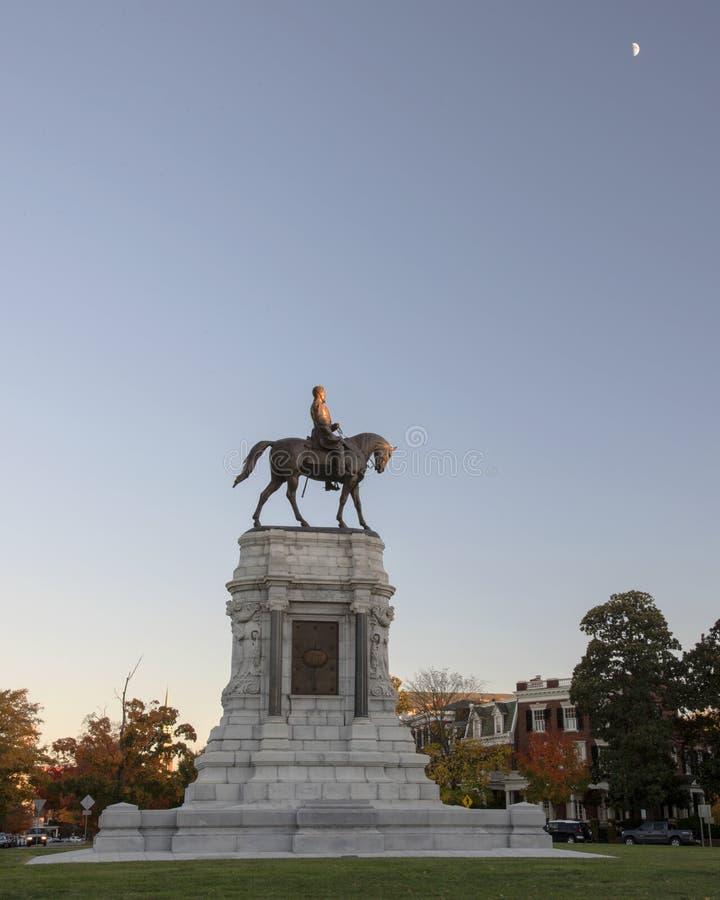 Robert E Lee Statue com lua fotos de stock royalty free