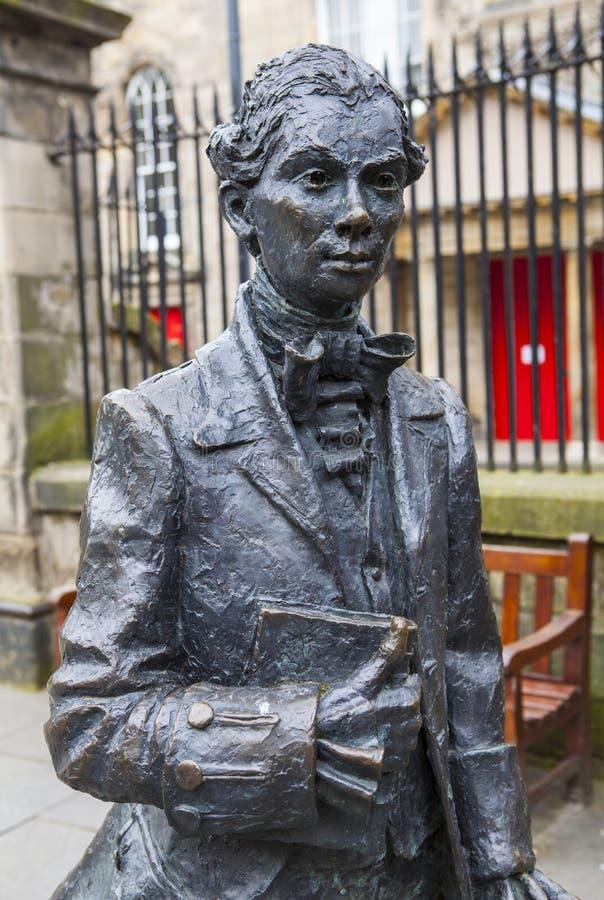 Robert Fergusson Statue i Edinburg arkivfoto