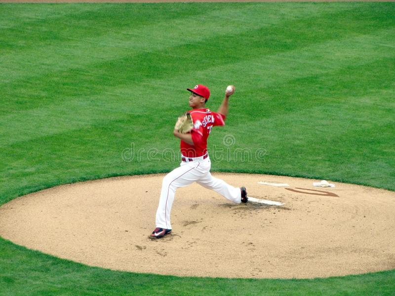 Robert Stephenson faz seu Major League Baseball Debut fotos de stock