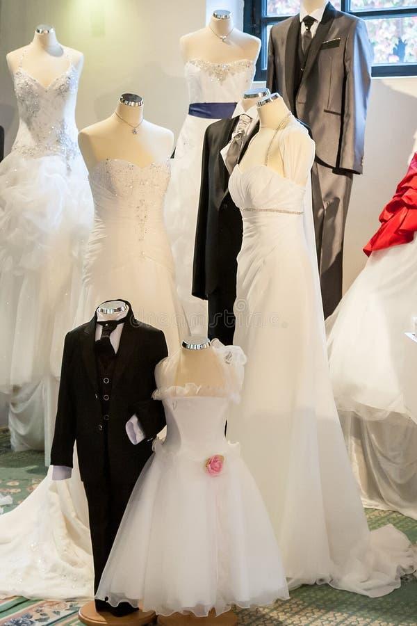 Robes de mariage photos stock