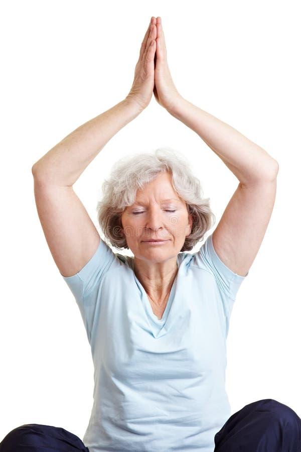 robić kobiety starszy joga obraz stock