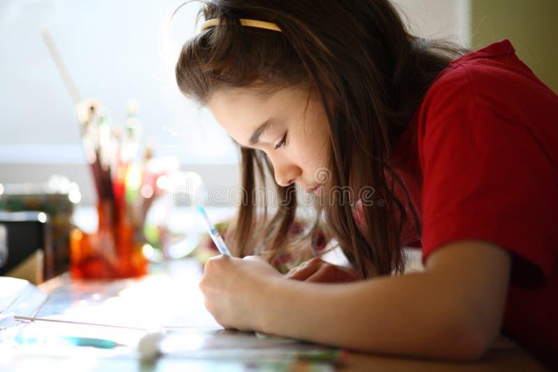 robić praca domowa dzieciaka zdjęcie stock
