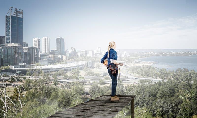 Robi twój miastu rosnąć Mieszani środki fotografia royalty free