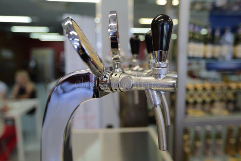 Robinet de bière avec le compensateur photo libre de droits