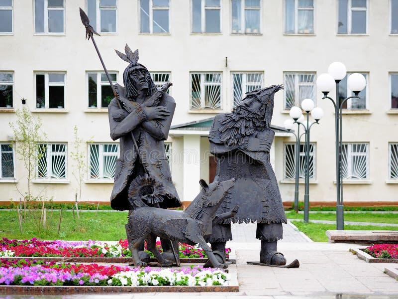 Robinson Crusoe et vendredi - monument dans Tobolsk images libres de droits