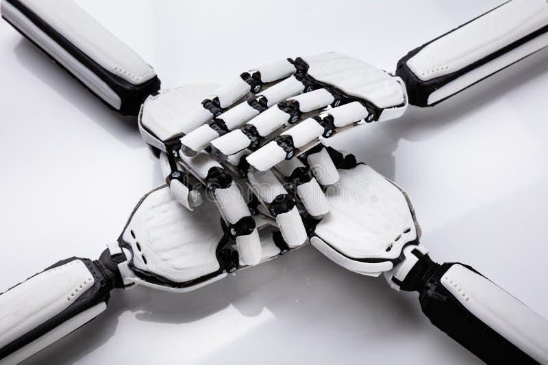 Robot Broguje Ich r?ki zdjęcia royalty free