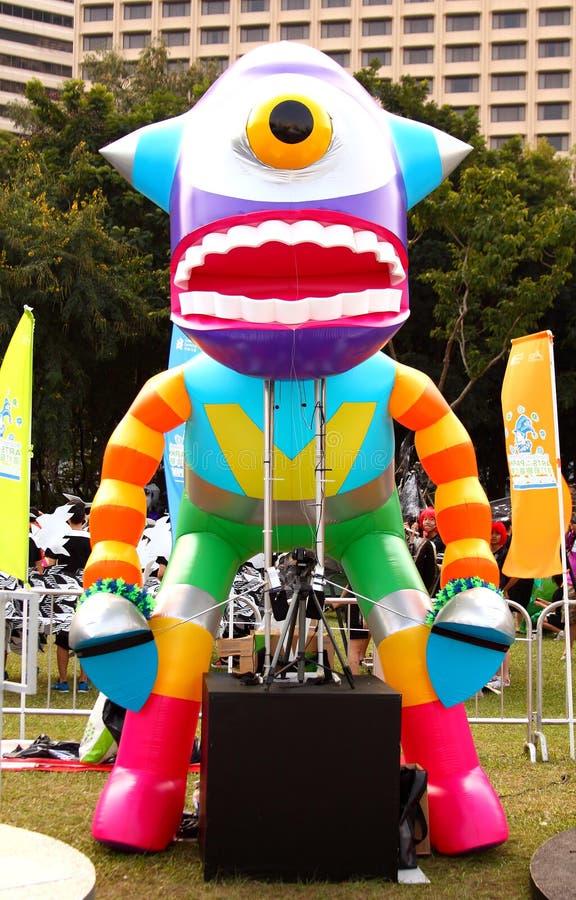 Robot dans le défilé grand de finale image libre de droits
