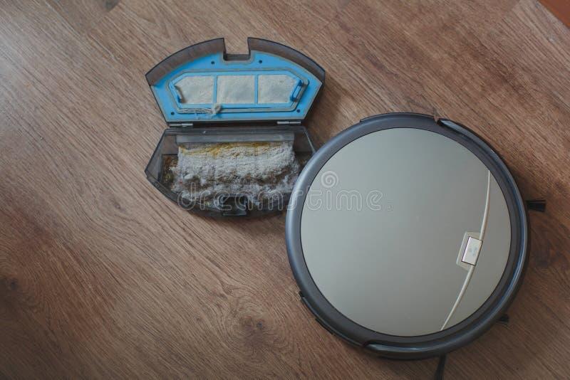 Robot del aspirador fotos de archivo libres de regalías