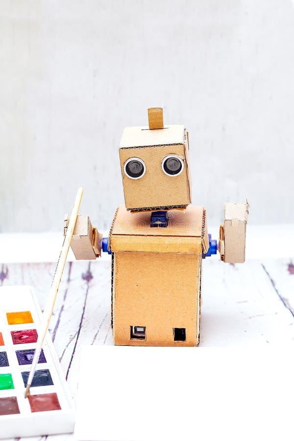 Robot met handen en art. Kunstmatige intelligentie royalty-vrije stock foto's