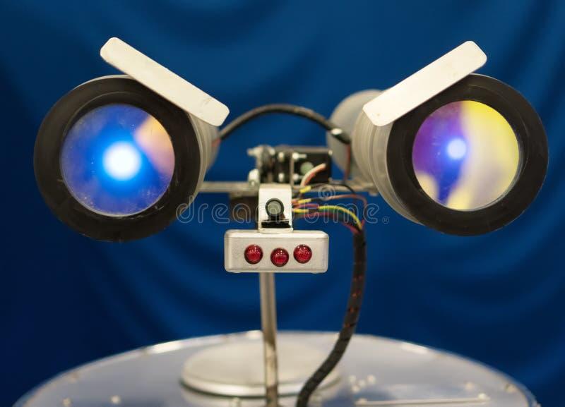 Robot que habla divertido fotografía de archivo libre de regalías