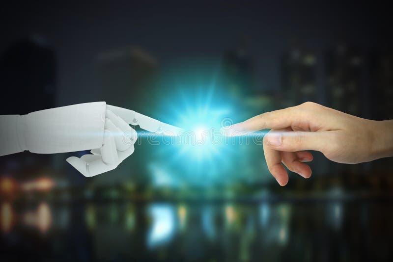 Robota i istoty ludzkiej r?ki dotyka na miasta tle, Sztucznej inteligencji technologii poj?cie zdjęcia stock
