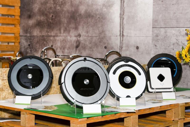 Robota próżniowy cleaner zdjęcia royalty free