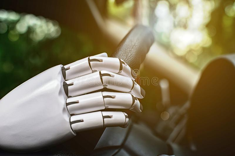 Robota samochodowego jeżdżenia mądrze systemu robota automatyczna przyszłościowa ręka fotografia stock