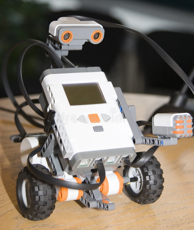 Roboter in der Tätigkeit lizenzfreie stockfotografie