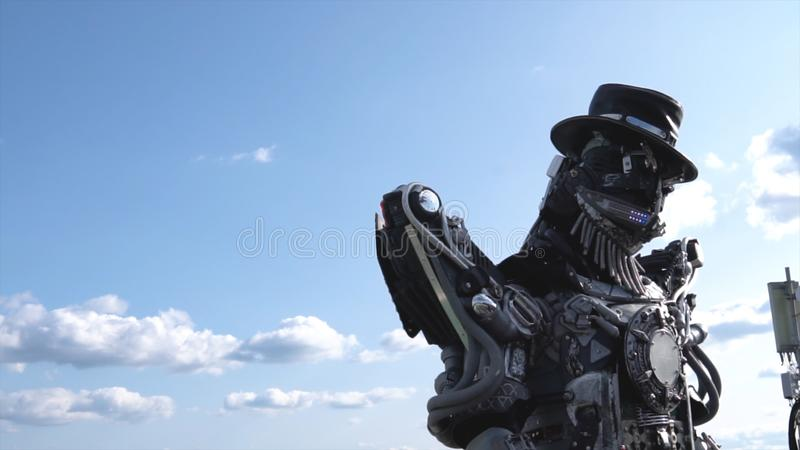 Roboter-droids Kopf und Schultern gesamtlänge Droid-Roboter auf Hintergrund des Himmels mit Wolken Getrennt auf Weiß lizenzfreie stockfotos