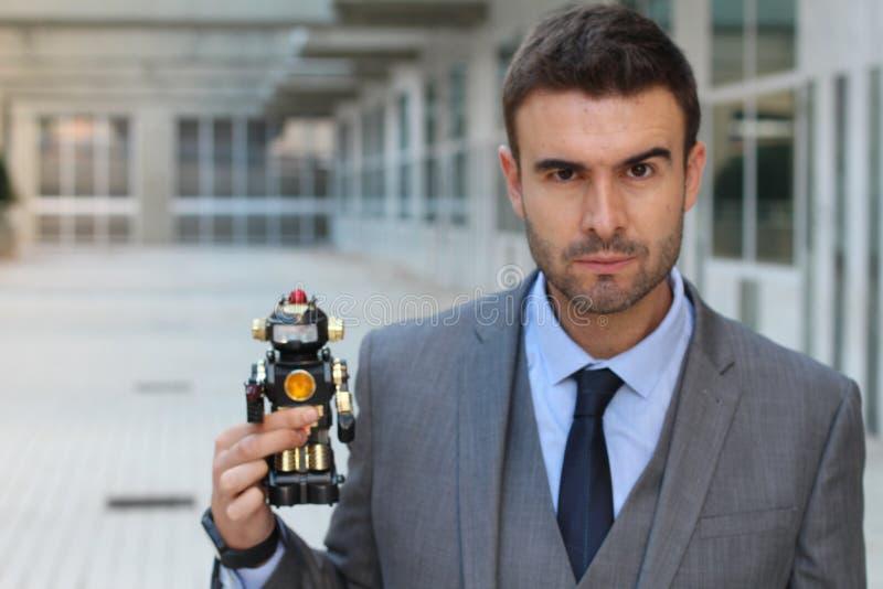 Roboter hergestellt, um Menschlichkeit zu steuern und zu zerstören lizenzfreie stockfotos