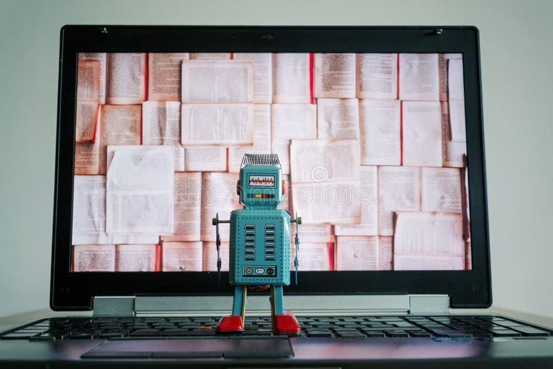 Roboter mit Buchschirm, großen Daten und tiefem Lernkonzept stockfotografie