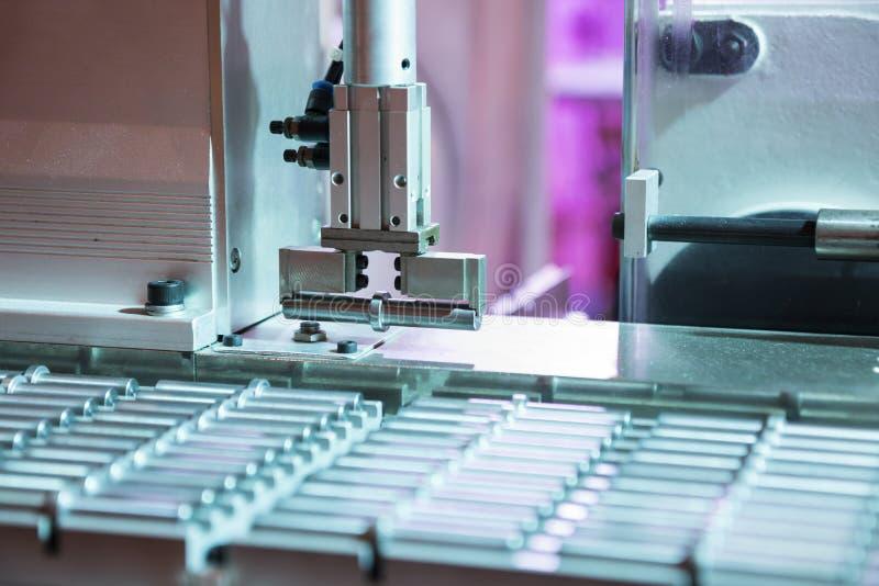 Roboterarm-Auswahl- und -platzautomatisierung; stockfotos