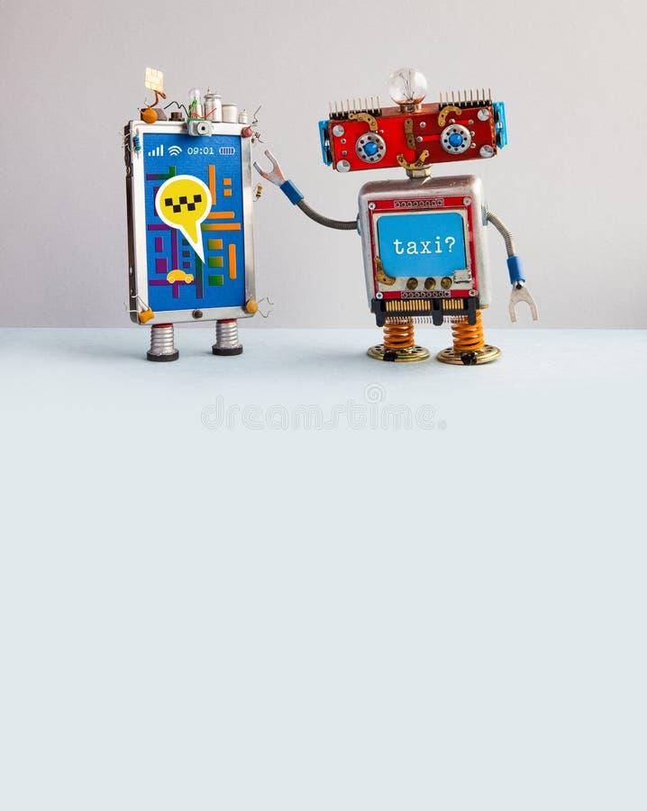 Robotic affisch för advertizing för biltaxiservice Roboten rekommenderar att kalla en taxi genom att använda smartphoneapplikatio royaltyfri bild