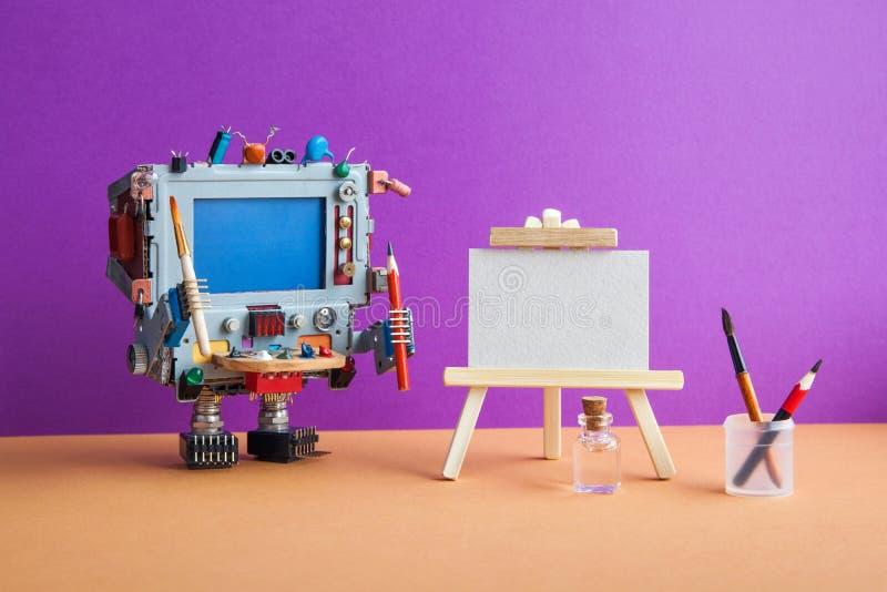 Robotic kreativitet och konstgjord intelligens Robotkonstnärdatoren med hjälpmedel, trästaffli, palettborstar ritar royaltyfri foto