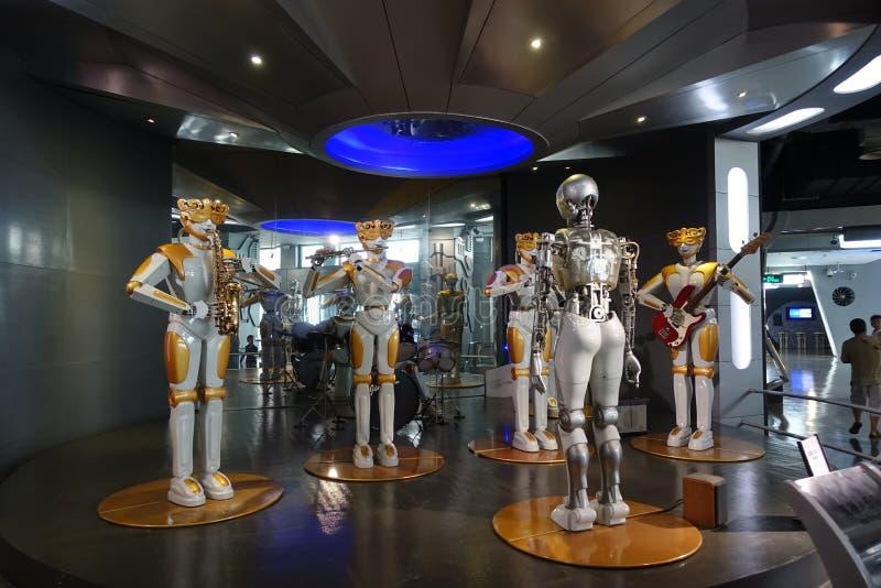 Robotmusikband i Sichuan vetenskap och teknikmuseum royaltyfria foton