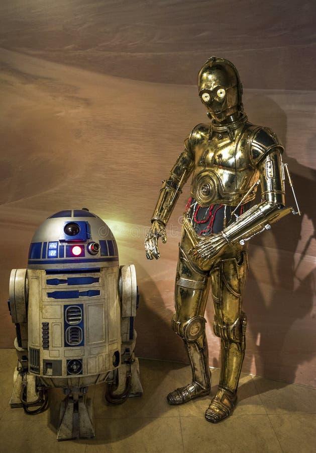 Robots C-3PO y R2-D2 fotos de archivo