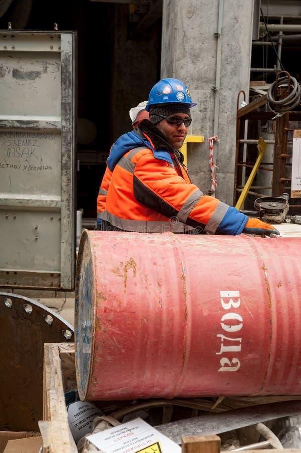 Roboty na budowie fabryki gazu zdjęcie stock