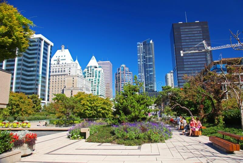 Robson Square en Vancouver céntrica foto de archivo