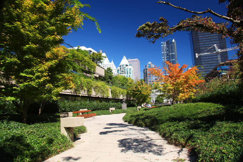 Robson Square in im Stadtzentrum gelegenem Vancouver stockbild