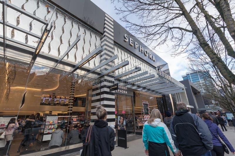 Robson Street del distrito que hace compras céntrico en Vancouver A.C. fotografía de archivo libre de regalías