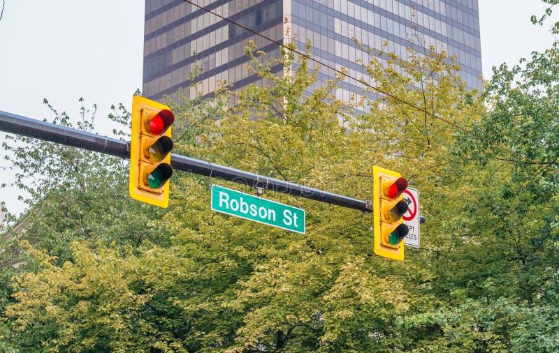 Robson znak uliczny w centrum Vancouver, Kanada zdjęcia stock