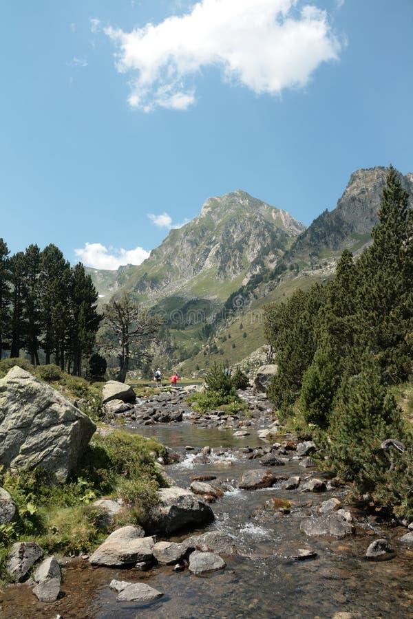 Roc blanc Spitze in Pyrenees lizenzfreie stockfotografie