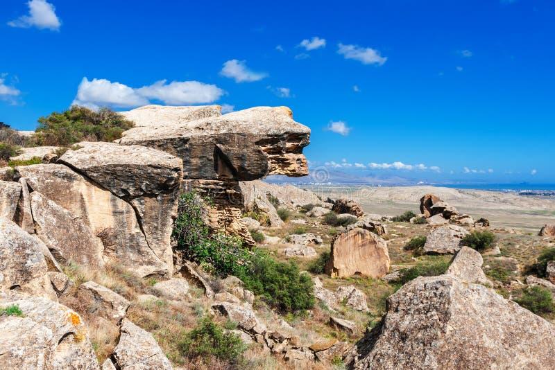 Roca Art Cultural Landscape, Azerbaijan de Gobustan imágenes de archivo libres de regalías