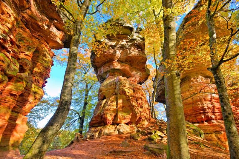Roca de Altschlossfelsen en Dahn Rockland, Alemania imagen de archivo libre de regalías