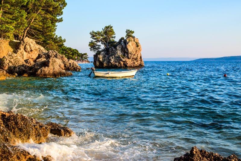 Roca de Brela, Croacia imagen de archivo
