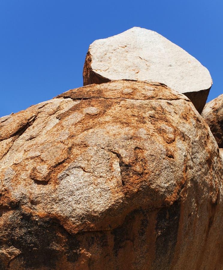 Roca de la cebolla de los mármoles de los diablos fotografía de archivo