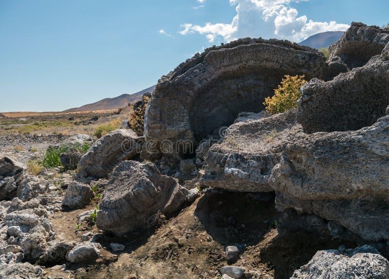 Roca de la toba volcánica en el lago pyramid, Nevada fotos de archivo libres de regalías