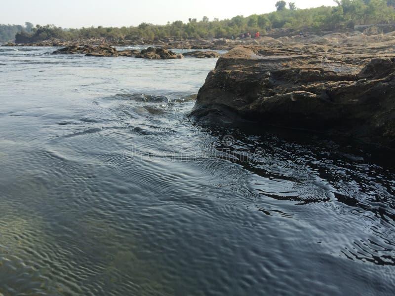 Roca de pared, estuario, río, corriente, naturaleza fresca, roca de fondo, fotografía de archivo libre de regalías