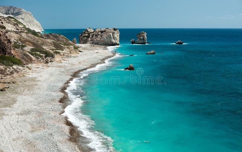 Roca del Griego, la roca del Aphrodite, Chipre imagenes de archivo
