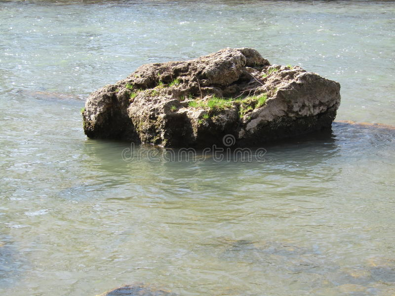 Roca del río imágenes de archivo libres de regalías