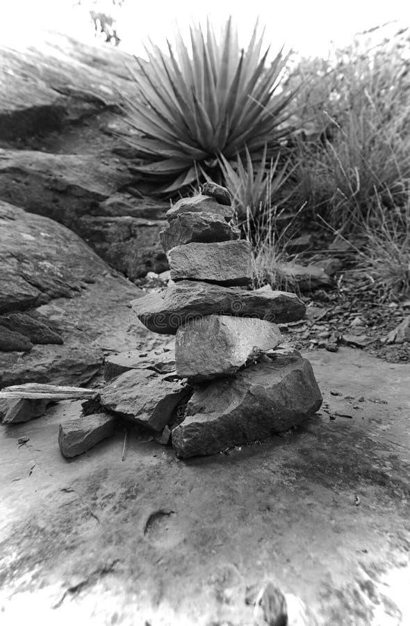 Roca del rezo en el vórtice del sedona fotografía de archivo libre de regalías
