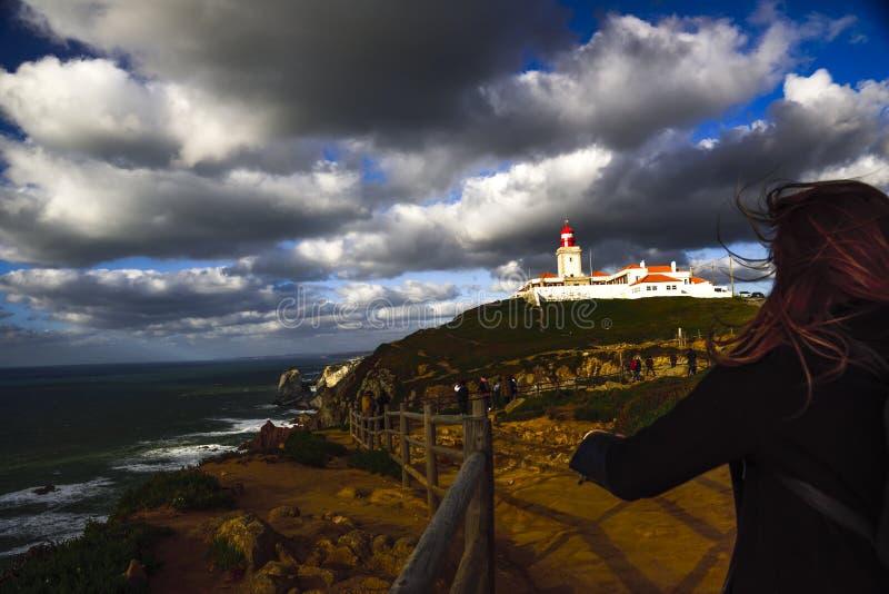 roca du DA Portugal de cabo Paysage avec le phare photos stock