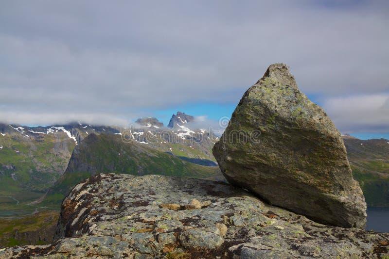 Roca En Cumbre Fotos de archivo libres de regalías