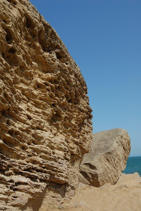 Download Roca en el cielo azul foto de archivo. Imagen de roca - 7284480