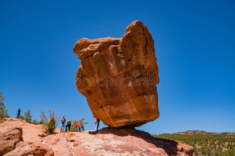 Roca equilibrada del jardín famoso de dioses foto de archivo