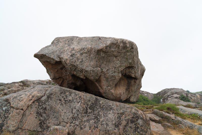 Roca grande del canto rodado fotografía de archivo